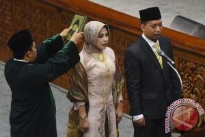 Pimpinan DPR lantik paw dua anggota DPR