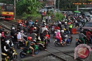 Rawan Kecelakaan Di Perlintasan KRL