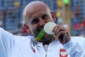 Bantu anak sakit kanker, atlet Olimpiade jual medali