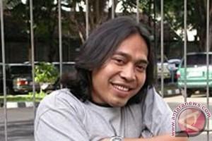 Putri komedian Komeng meninggal dunia