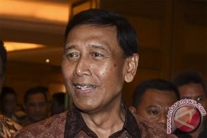 Wiranto: pemerintah tidak biarkan warganya lama disekap