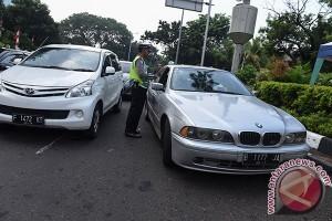 Sistem ganjil-genap mulai diterapkan di Jakarta