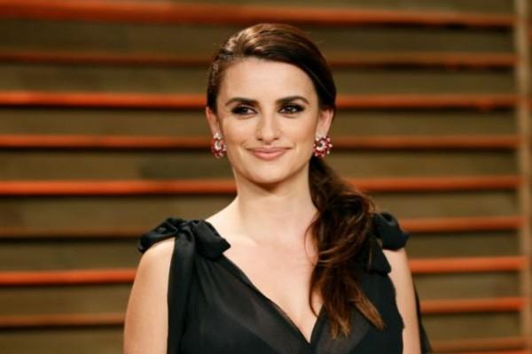 Penelope Cruz Akan Bintangi Film Arahan Sutradara Iran Farhadi