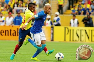 Neymar tampil gemilang saat Brasil bungkam Ekuador 3-0