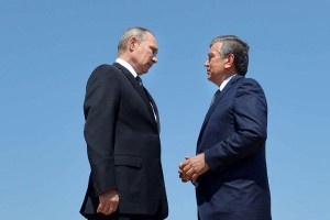 Putin letakkan mawar di makam Presiden Uzbekistan