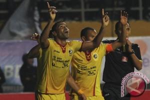 Sriwijaya FC vs Persib 1-0 babak I