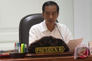 Presiden Jokowi undang 20 ahli ekonomi ke Istana Merdeka