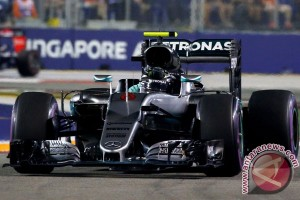 Nico Rosberg juarai GP Singapura