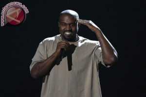 Kim Kardashian setia dampingi Kanye West di rumah sakit