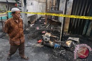 Kebakaran Enam Orang Tewas