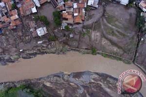 Helikopter dikerahkan cari korban banjir Garut