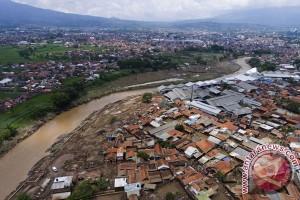 PON 2016 - ISSI berbagi dengan korban bencana alam Garut