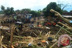 Presiden beri bantuan untuk korban banjir Garut