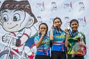 PON 2016 - Jabar kuasai emas balap sepeda road race putri