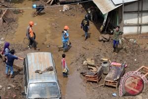 Makassar berdoa untuk korban gempa Garut