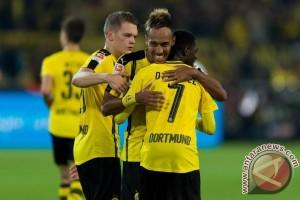 Hajar Freiburg 3-1, Dortmund tempel Bayern Munchen di puncak klasemen