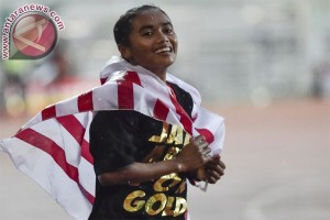 Triyaningsih wins gold in 10,000m run in PON 2016