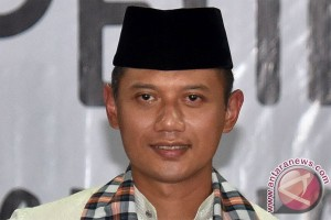son of former president to run for jakarta governor