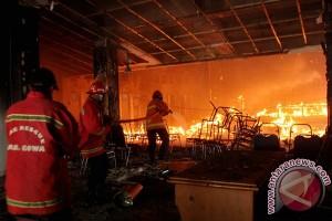 Polisi tetapkan tujuh tersangka kasus pembakaran gedung DPRD Gowa