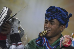 Emas Gulat Putra 65 Kg Banten