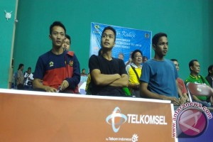 PON 2016 - Anthony dan Ihsan semangati Jonatan di final