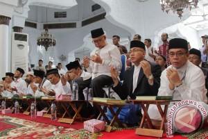 Calon peserta Pilkada Banda Aceh jalani tes baca Alquran