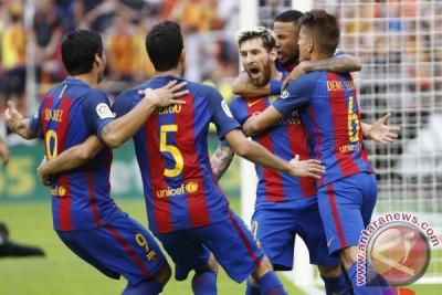 Penalti Messi menangkan Barcelona 3-2 atas Valencia