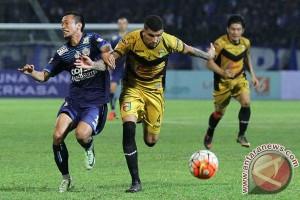 Arema bermain imbang lawan Mitra Kukar 0-0
