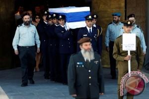 Shimon Peres meninggal pada usia 93 tahun