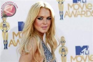 Lindsay Lohan hampir kehilangan setengah jarinya