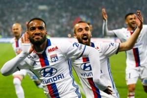 Lyon menang 2-0 dari St Etienne pada laga derby