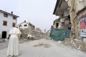 Paus Fransiskus kunjungi daerah bencana di Italia