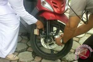 Dishubkominfo Pontianak gembok puluhan motor siswa SMP