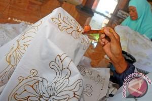 Batik menjadi produk unggulan UMKM Jateng