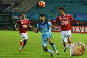 Persela Lawan Bali United