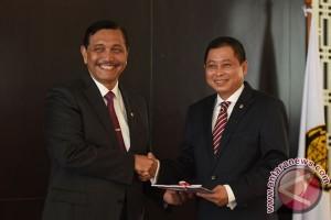 Luhut serahkan jabatan menteri ESDM ke Jonan