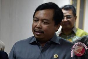 Anggota DPR : pembangunan infrastruktur jangan kurangi kesejahteraan