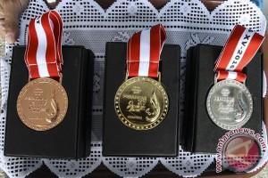 PEPARNAS - Putri Aulia pecahkan tiga rekor atletik
