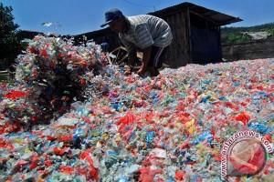 Kemenko Maritim pelajari daur ulang sampah plastik India