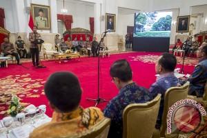Presiden Jokowi ingatkan komitmen gubernur berantas pungutan liar