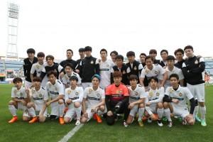 Tim sepak bola artis Korea VS Indonesia digelar di Bekasi