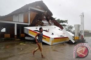Topan Haima tewaskan 12 orang di Filipina