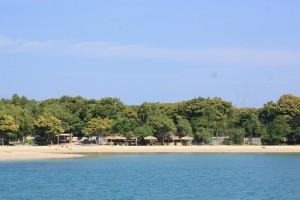 Pantai Sembilan Sumenep mulai menarik wisatawan asing