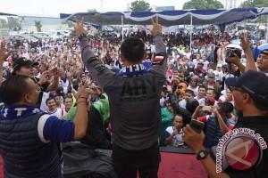 Agus Harimurti Yudhoyono Di Stadion Tugu