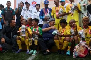 Kalsel Juara Sepakbola Peparnas XV