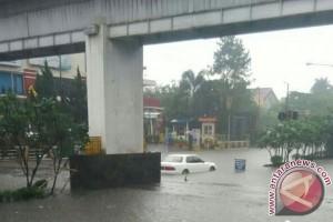 Banjir rendam SMAN 9 Kota Bandung