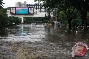 Kabupaten Bandung ungsikan seluruh warga terdampak banjir Cibodas