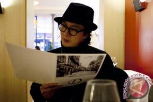 Bae Yong-joon dan Park Soo-jin  sambut putra pertama