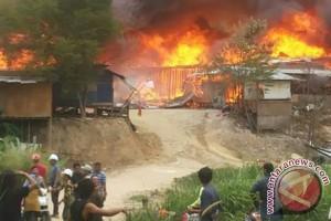 Tempat tinggal TKI di Putra Jaya, Malaysia, terbakar