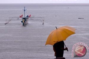 BMKG: sore ini Jabodetabek waspada hujan dan angin kencang